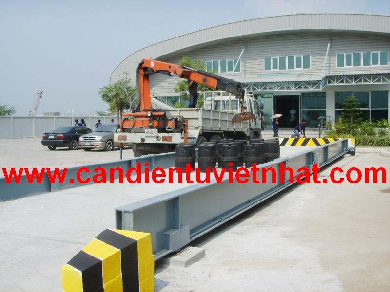 Cân xe tải 100 tấn, Can xe tai 100 tan, kiem-dinh-can-xe-tai-100-tan_1376672616.jpg
