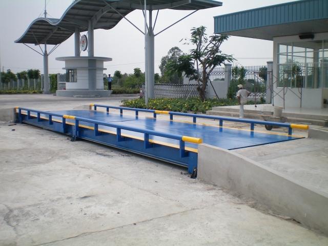 Trạm cân điện tử 60 tấn, Tram can dien tu 60 tan, tram-can-o-to-60-tan_1376935464.jpg