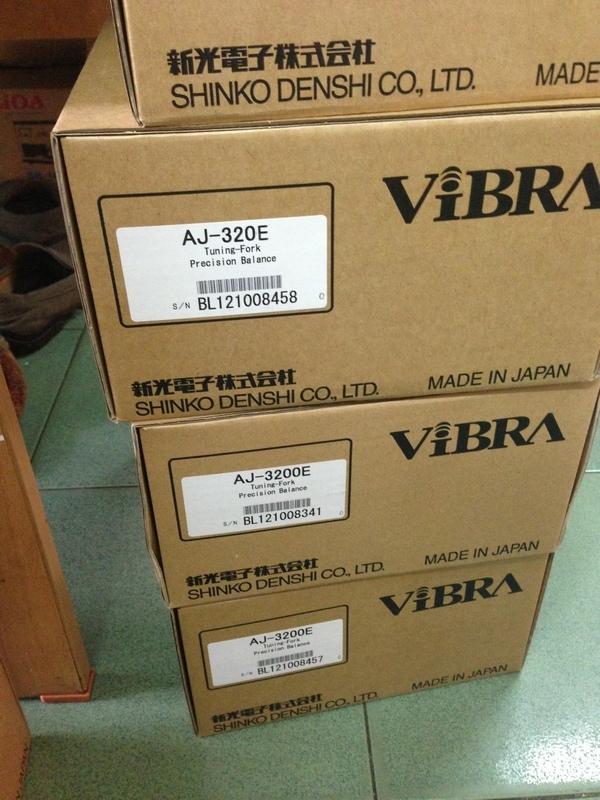 Cân điện tử 2kg, Can dien tu 2kg, vibra-aj_2200_1373121008.jpg